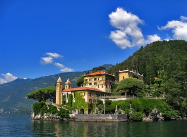Villas on Como Lake