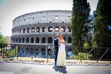 Wedding in Rome - Colosseum