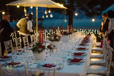 How to organize well guests' seating arrangement