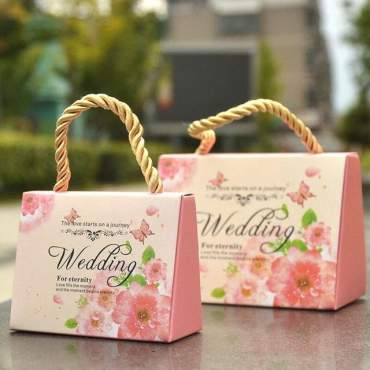 Wedding handbag as a present for guests